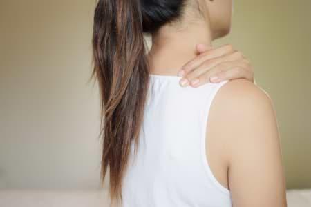 Dorsoo blog nekpijn door stress massage schouders